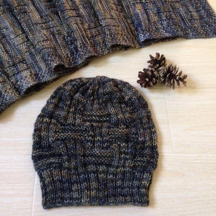 вот и шапочка готова🙌🏻 #malabrigo #knit #Knitting #вяжу #вязание #вязанаяшапка #шапка #вяжутнетолькобабушки #хобби #хендмейд #рукоделие #ручнаяработа