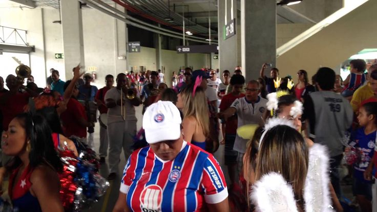 TORCIDA DO BAHIA - HINO DO E.C.BAHIA - Itaipava Arena Fonte Nova - 12-10...