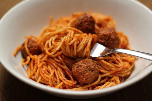 Imagen de food, spaghetti, and meatballs