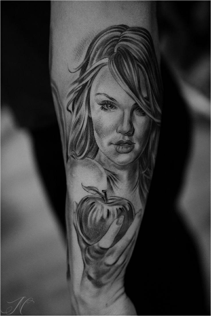 apple girl tattoo by noah noah minuskin amazing tattoos