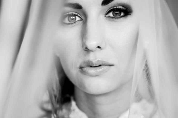 Beautiful Black & White Bridal Portrait   Bernice Fisher Photography