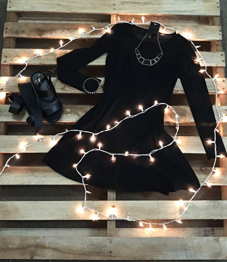 Vestido negro en corte A