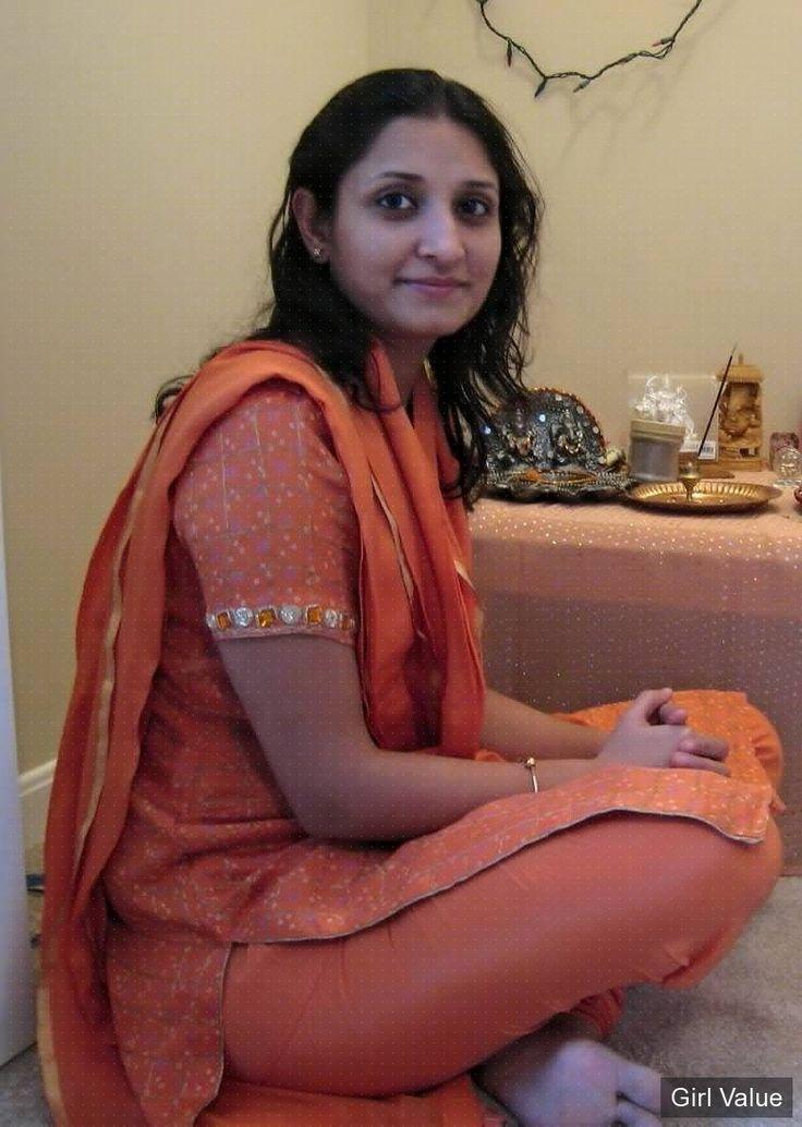 Sexy girl salwar kameez consider