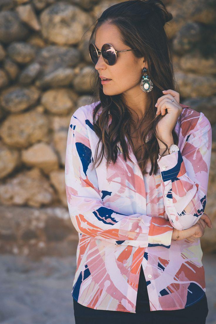 Rosa Bluse mit Muster von GANT / Outfit