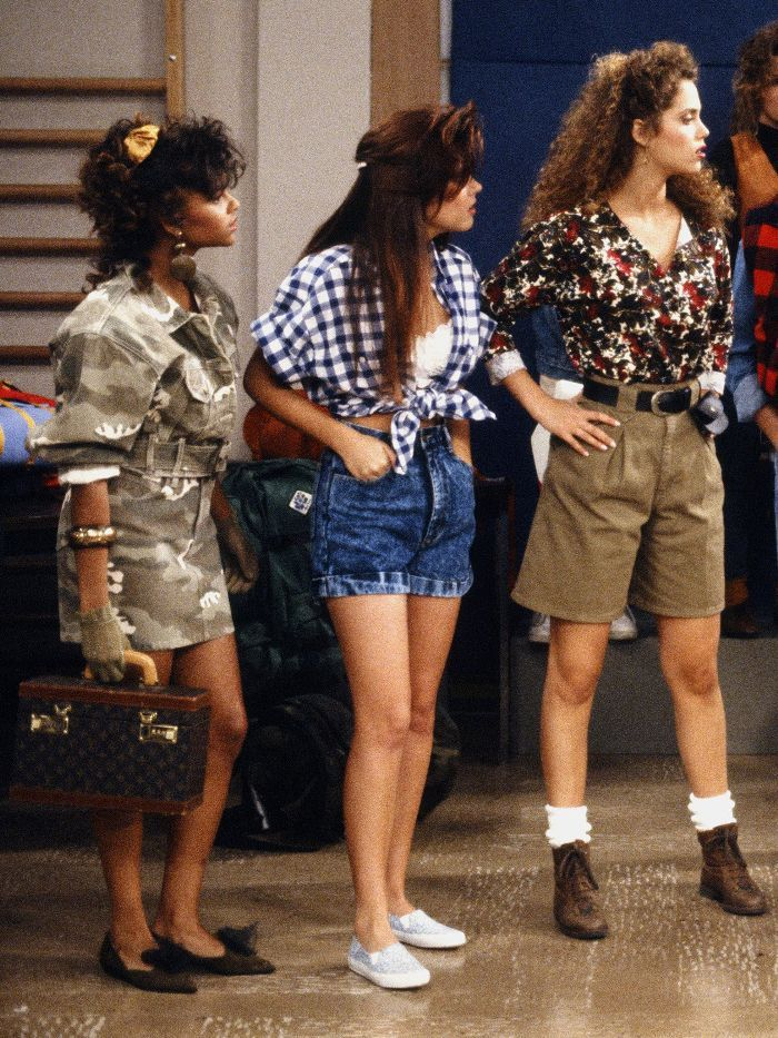 The Best Kelly Kapowski Outfits That Are So 2018 in 2020 ...