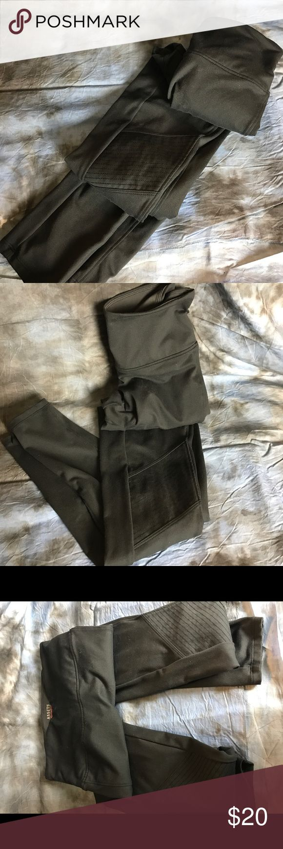 Spanx Assets Leggins Worn once.  Perfect condition.  These are amazing!! SPANX Pants Leggings