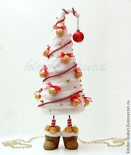Новый год 2015 ручной работы. Ярмарка Мастеров - ручная работа Авторская новогодняя елка из конфет. Handmade.
