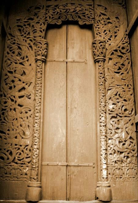 Old norse carved door random intrests pinterest for Ancient scandinavian designs