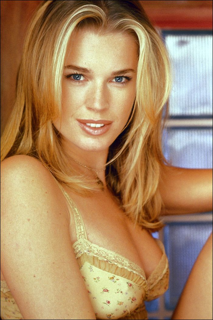 Ребекка Ромин (Rebecca Romijn) в фотосессии Джонатана Эксли (Jonathan Exley) (1999), фото 6
