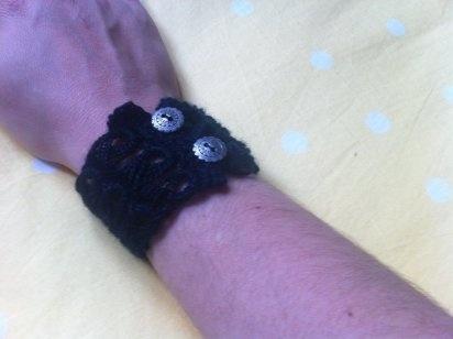 Cómo hacer una pulsera de lana de crochet
