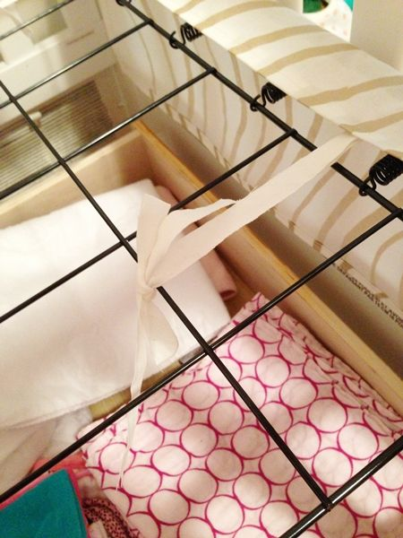 Fiscally Chic: Sewing an Adjustable Crib Skirt