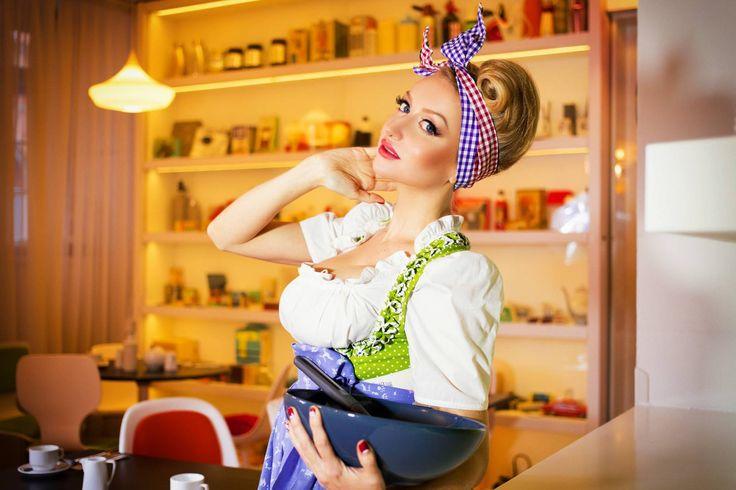Throwback to fifties! Beautiful Anastasia in our restaurant! #vintagedesignhotelsax #jameshouseapartments #retro #vintage #cooking