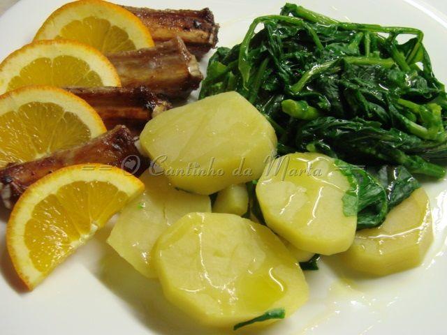 Entrecosto Grelhado com Batatas Cozidas e Grelos - Borner