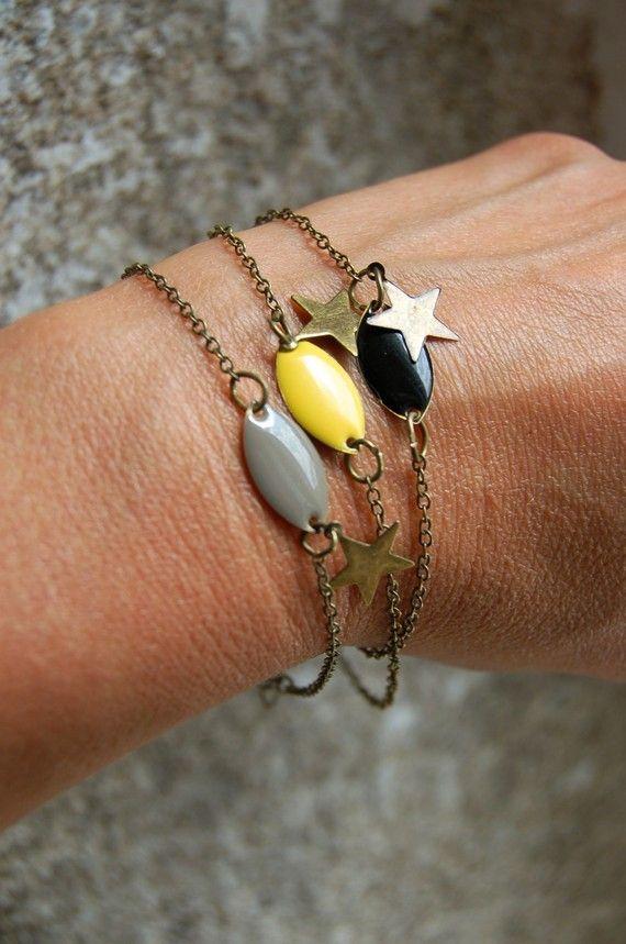 Bracelet sequin émaillé gris, chaine bronze...