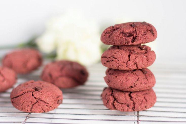 Vegan chocolate chip & beet cookies  #veganfoodshare #vegan