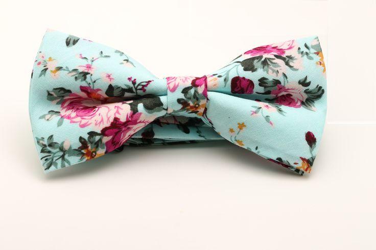 www.trouwbox.be http://trouwbox.luondo.nl/11865350/turquoise-vlinderdas-met-bloemenmotief