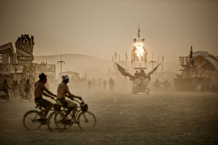 Výstava WORLD ON FIRE   The Burning Man Collection by Marek Musil