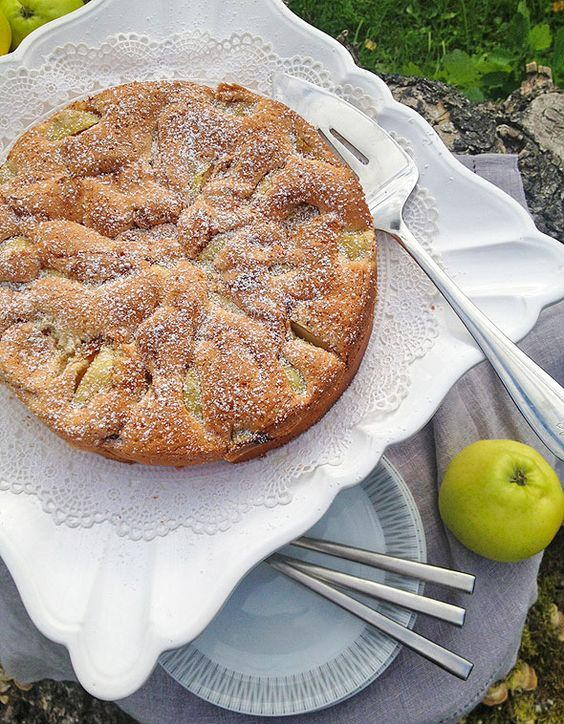 Easy apple cake: Ingredients:  3 eggs  1 cup of sugar  1 cup of flour  3 big apples  sugar and cinnamon for the apples