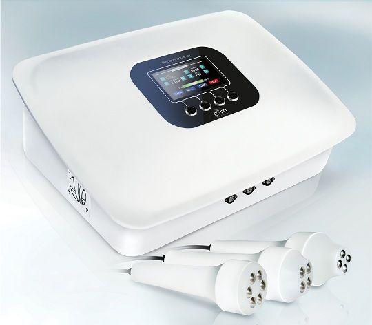 RF Radiofrecventa Este o tehnologie de modelare corporala care utilizeaza lungimi de unda RF pentru ca sa intinda pielea, sa stimuleze producerea de colagen si elastina, sa elimine grasimea sau sa reduca celulita.  Pret aparat Cos-Medico radiofrecventa bipolara: 2500 euro + TVA Productie: Cos-Medico (Polonia) Garantie: 24 luni