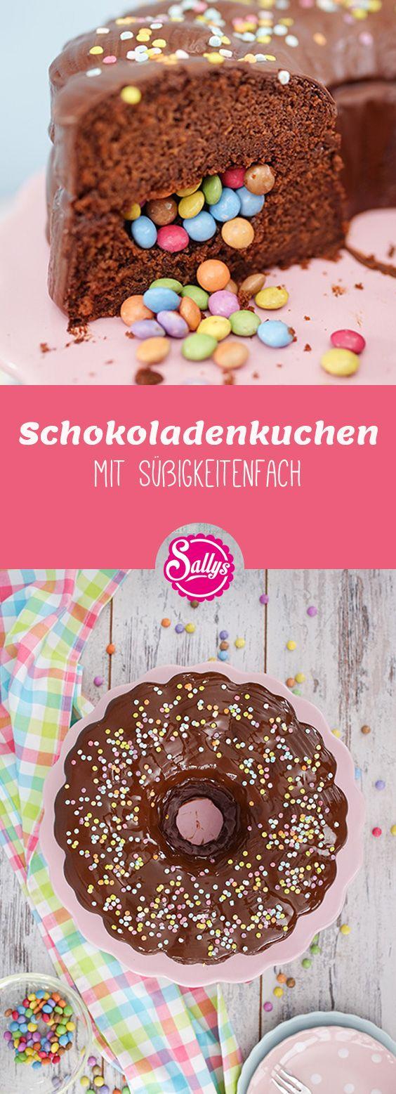 Ein leckeres Schokoladenkuchen mit einem Süßigkeitenfach! Einen süßeren Geburtstagskuchen gibt es nicht