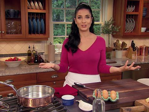 Laura Vitale's Perfectly Poached Eggs from CookingChannelTV.com