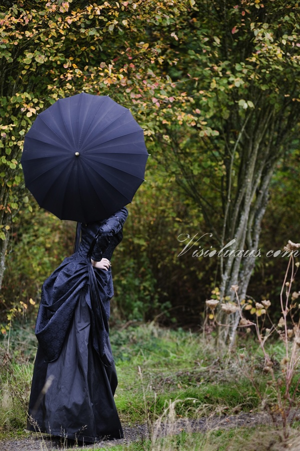 Un-frilly wedding parasols! come see the victorian goth vignette at the  eclectic wedding showcase!