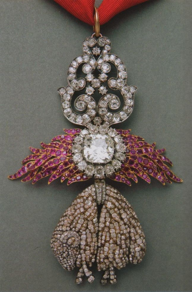 Royal Jewels of the World Message Board: Insignia of the Spanish