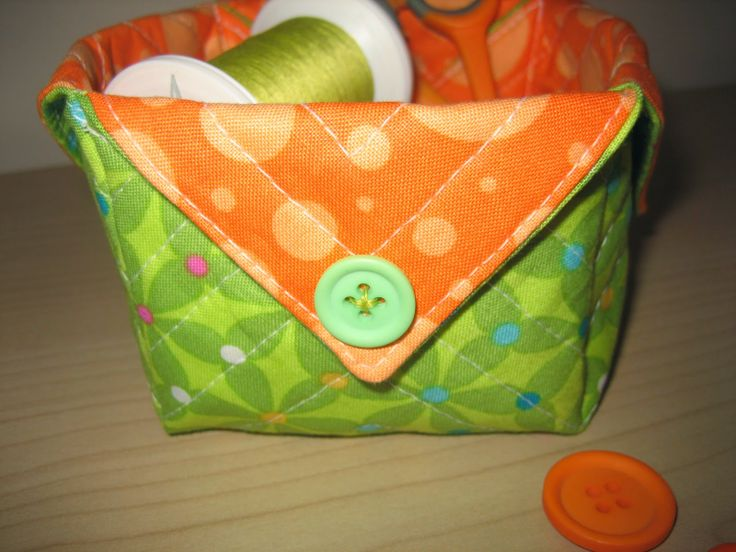 Connected Quilters: Little Fabric Box