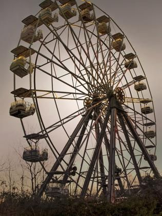 Best Seph Lawless Images On Pinterest Abandoned Places - 10 years hurricane katrina six flags theme park new orleans still lies abandoned 10 years