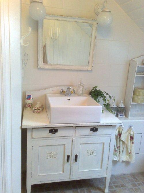 Pic Of  Adorable Shabby Chic Bathroom Ideas