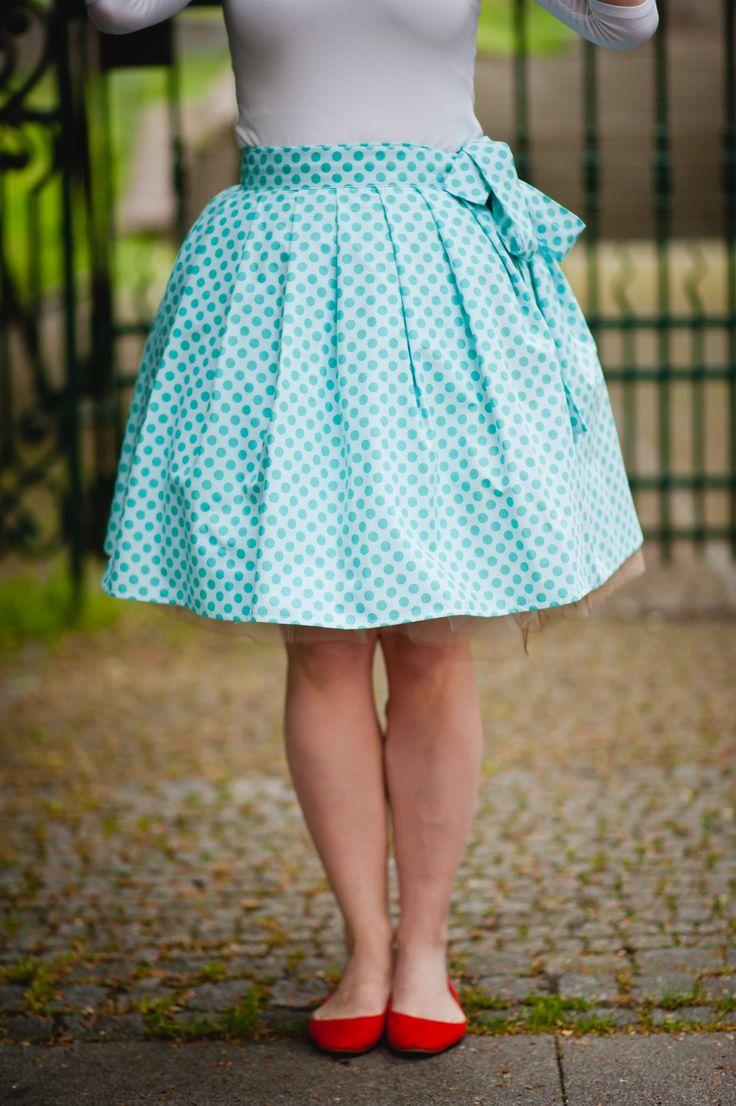 CUPCAKE+sukně,+zavinovací+-+světle+modrá+Univerzální,+nabíraná,+zavinovací+sukně+ze+100%+americké+designové+bavlny+-+kolekce+TA+DOT+od+Michael+Miler+Fabrics+-+látka+je+to+krásná+a+velmi+kvalitní,+nemuchlací,+pevná,+krásně+držící+linii,+prostě+radost:o)+Je+přímo+stvořená+pro+jarní+procházky+městem,+letní+vysedávání+po+kavárnách,+prázdninové+výlety,+ale+i+...