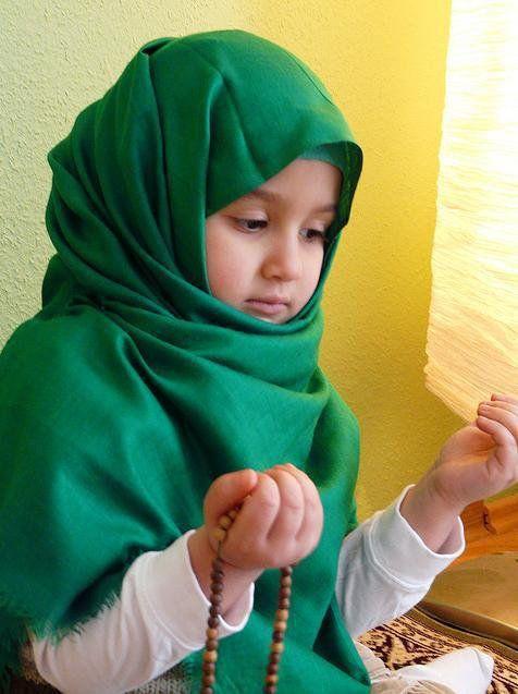 children praying images   Photo of Muslim Baby girl praying