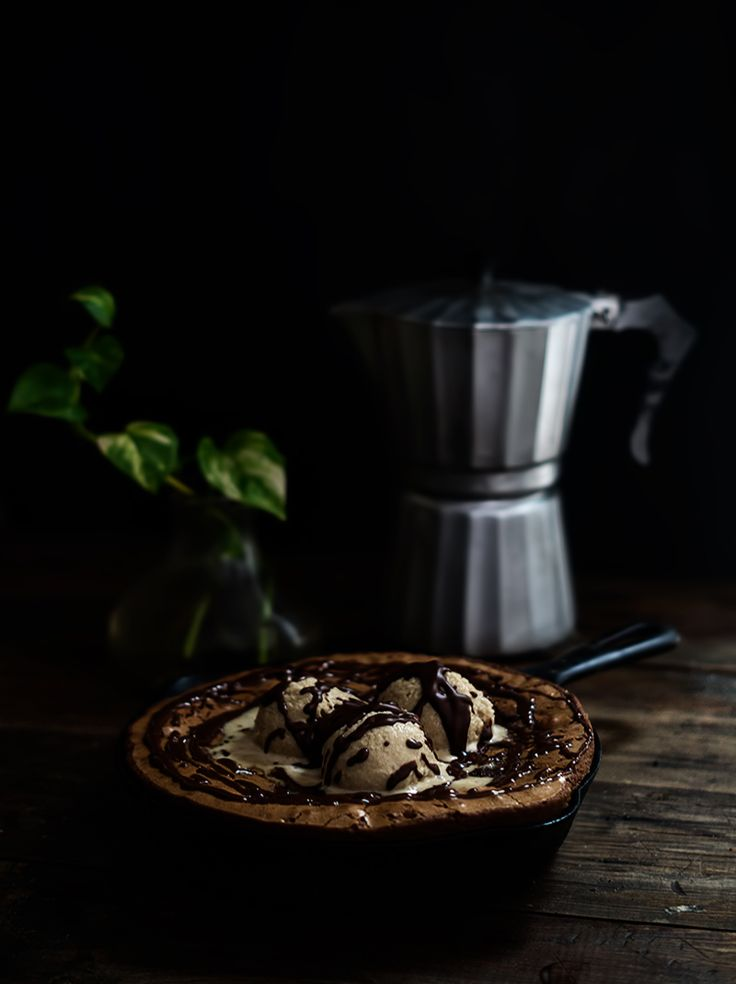 BROWNIE CON HELADO DE CAFÉ EXPRESO | RÚSTICA