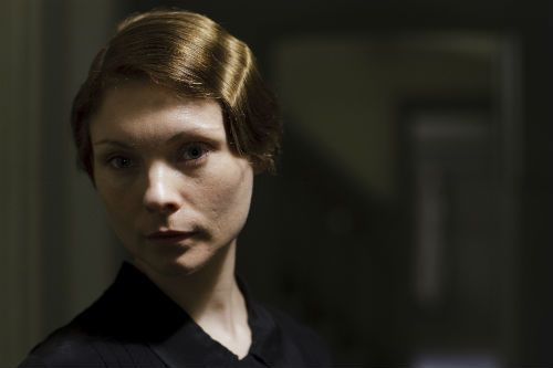 Downton Abbey Cast S4: Edna Braithwaite (MYANA BURING)