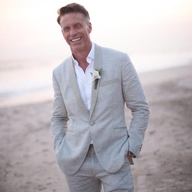 Another great shot of 'Man of Nash' Mr.Scott at his beach wedding in his @Alexander Forsén Forsén Nash bespoke tux.