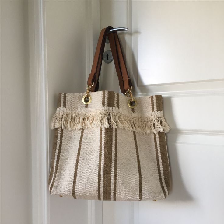 SILJE OPAAS | Handmade fringe beach bag SS 17