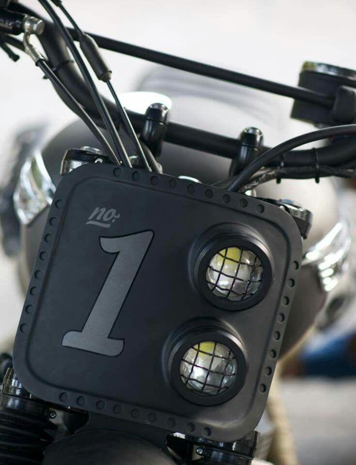 Tracker headlight