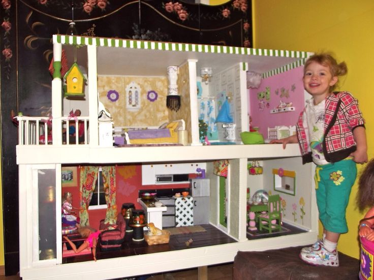 The finished dollhouse.