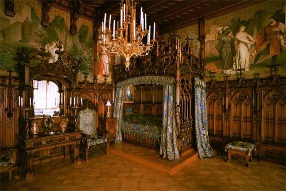 VICTORIAN GOTHIC BEDROOM | Home Decor | Pinterest