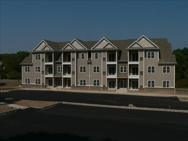 Twin Ponds At Clinton Nj Apartments For Rent Historic Town Of Clinton
