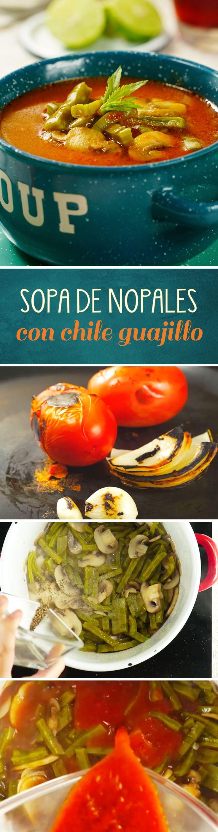 Receta de sopa de nopales con chile guajillo que estará lista en unos minutos. Esta receta casera de cocina mexicana es muy saludable y perfecta para no darte por vencida en la dieta.