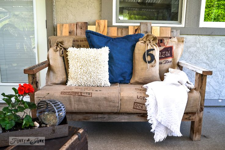 Pallet wood outdoor sofa via Funky Junk Interiors
