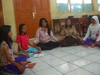 Topeng Blantek 267: SMPN 267 Jaksel : Kumpulan Puisi Siswa/i SMPN 267 ...