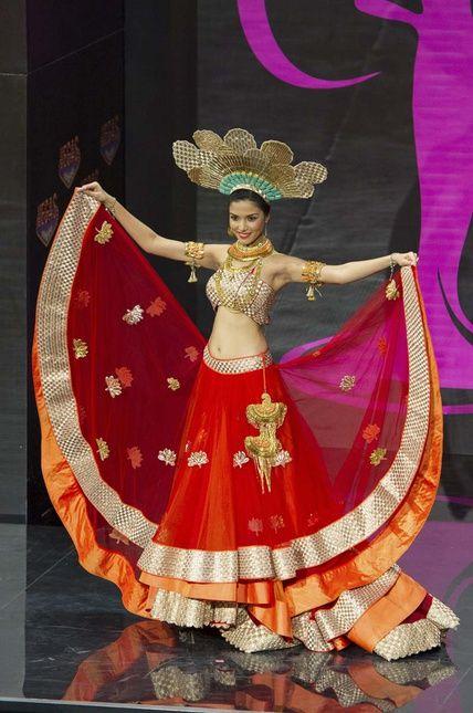 WTF: Los 'trajes típicos' que desfilaron en Miss Universo - India