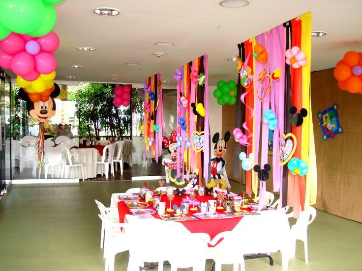 La decoración total del salón, es la experiencia que percibirán los asistentes, ocúpate de gestionar cada detalle para que te salga una fiesta inolvidable.