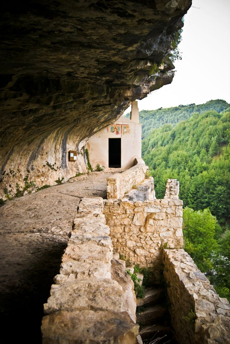 Hidden medieval hermitage carved in the rock, Majella's National Park http://www.southernitalytravel.com/Post/show/Sacred-Paths