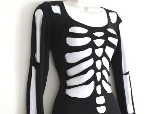 DIY scary skeleton Halloween costume from a white shirt and a black shirt