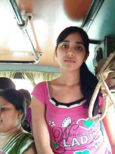 Indian college girl snap during bus journey #sexybabes