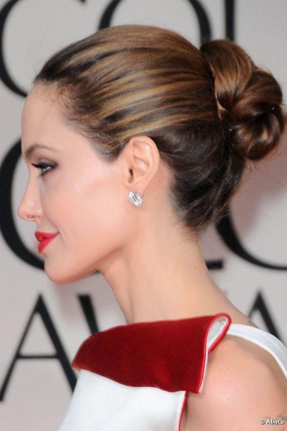 Angelina Jolie potrebbe convolare a nozze con Brad Pitt a fine maggio. E se sfoggiasse uno chignon elegante come questo?