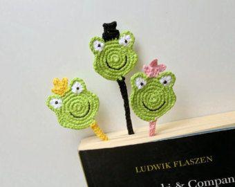 Segnalibro divertente, uncinetto segnalibro, segnalibro rana, principessa rana segnalibro, segnalibro verde
